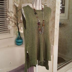 Umgee green tunic size M